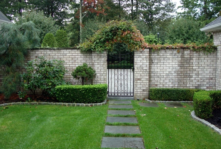 brick wall ri