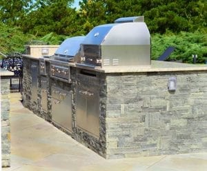 custom outdoor kitchen - builtin outdoor grill